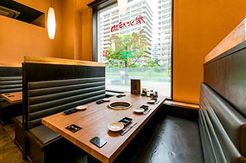 テーブル座席の写真